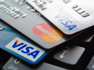 """怎样把信用卡里的钱""""拿""""出来?信用卡取现即时到账"""